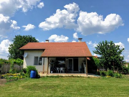 Fully furnished 2 bed 1.5 bath detached house for sale with own 975 sq.m. garden. Just outside General Toshevo, 30 min drive to beaches