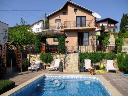 * Sold * Sea view 2 bed 1 bath detached house for sale in Balchik. 535 sq.m. garden, own swimming pool. 10 min walk to beaches