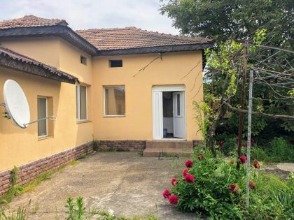 * Sold * Grab a bargain: Renovated 2 bed property for sale with own 1000m garden, near General Toshevo
