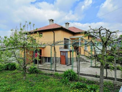 Renovated 2 bed detached property for sale with beautiful 1380 sq.m. garden. Good village 10 km from Dobrich