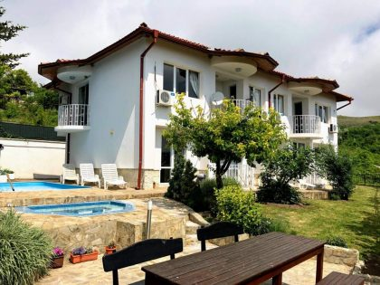 Sea view 7 bed duplex villa for sale with swimming pool and jacuzzi