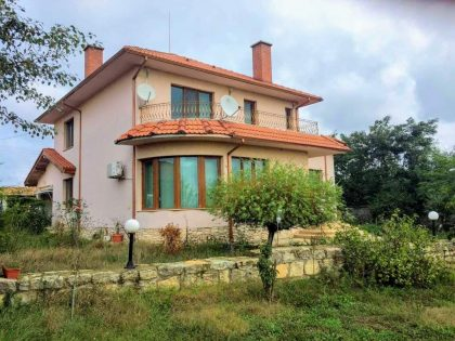 * Reserved * Large fully furnished 3-bed house with guesthouse, 2710 garden, near fishing lake – outside Varna