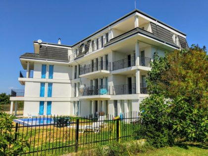 15 units apartment building with pool and views in Byala, Varna
