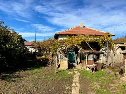 Excellent value: Livable 2 bed house near Toshevo with 1000sqm garden