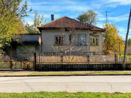 Two bed house in town of Toshevo, good location, large garden
