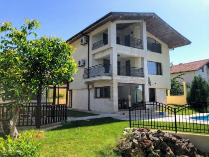 4/5 bedroom villa with pool and fantastic sea view near Albena & Balchik