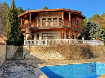 Hilltop villa with fantastic views, 3 bed, 3 bath, near Albena beach resort