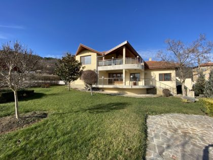 4 Bed Villa with great views, pool, near Albena & Golden Sands
