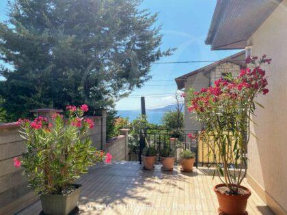 Exquisite 3-bed 3-bath villa near Albena and beaches