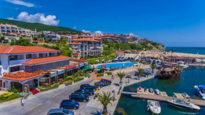 Apartment by the beach with sea-view for sale in Diamond, St. Vlas