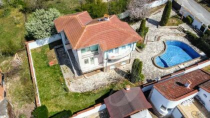 Large house with pool near Albena beach resort & Varna