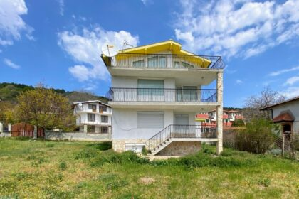 Three-story sea-view property near beach – between Albena & Balchik