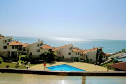 "2-bed apartment with fantastic sea-views in ""Diamond"", St.Vlas"