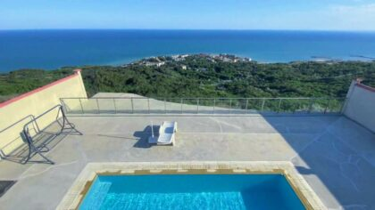 Phenomenal: One of a kind property with unbeatable panoramic sea-view