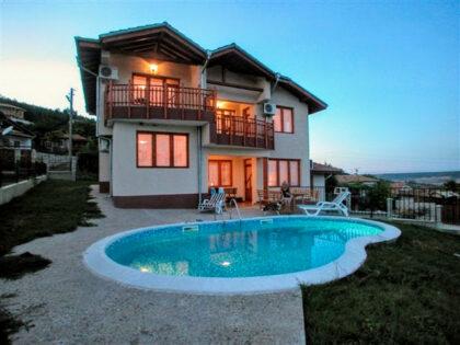 Beautiful villa with sea-view & swimming pool, near Albena & Golden Sands