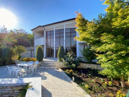 Three bedroom sea-view villa in the town of Balchik