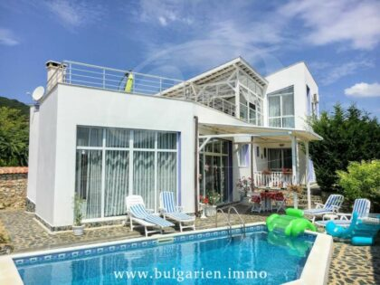 Beautiful sea-view home near beach in Balchik * Sold *
