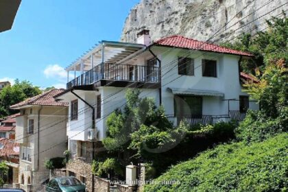 3-storey house with a sea-view in the center of Balchik – 800m to beach