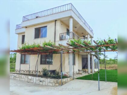 Excellent 2-bed house with sea-view in Varna