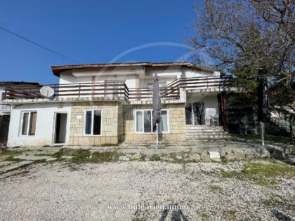 Cheap house in walking distance to beach in Albena, Bulgaria