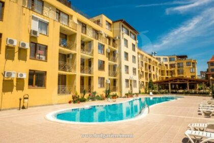 2-bed apartment with large terrace with views in Siana 2, St. Vlas