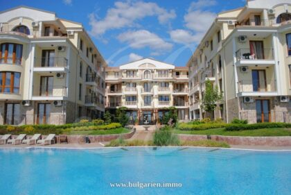 Large 1-bed apartment in Royal Bay Residence – right by the beach