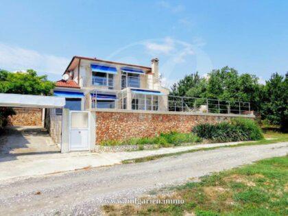 Superb villa near Albena with 180°sea-views and heated panoramic swimming pool