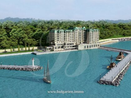 Seafront apartment in Varna, Sunny Day – Port Palace
