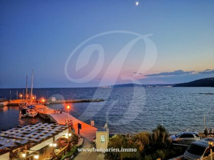 2 bed apartment by the promenade in Balchik