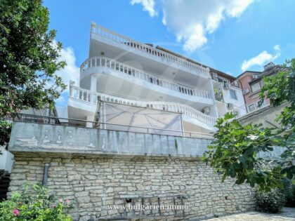 4-storey house with a sea-view near the promenade in Balchik – 300m to beach