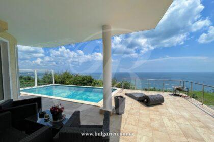 Amazing Villa with Perfect Sea Views and Panoramic Pool near Albena