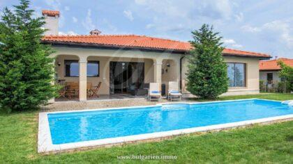 Superb 4-bed 3-bath villa in BlackSeaRama